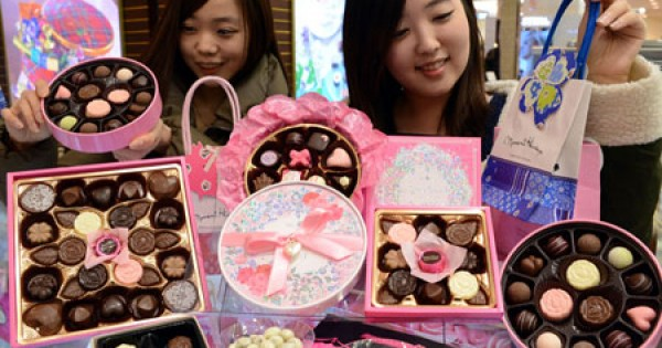 Why You're Lucky If You're A Guy Spending Valentine's In Korea   Asian Date