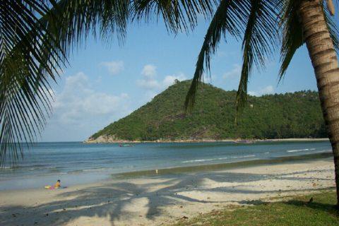 In the list of romantic beaches of Thailand, Thong Nai Pan Noi Beach scores very high.