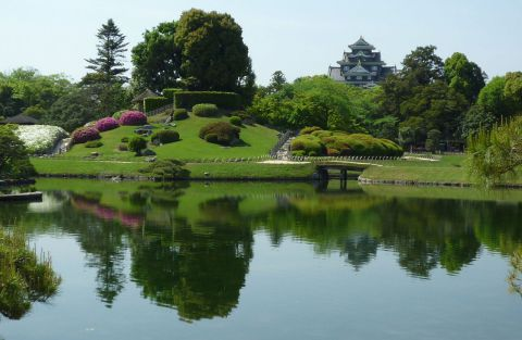 Let AsianDate guide you to Korakuen, a magnificent garden that's worth visiting all year round.